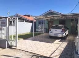Casa com 3 dormitórios, vaga para 2 carros, localizada no Bairro Camobi