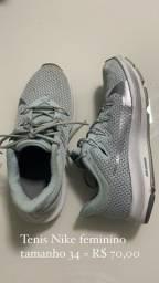 Tênis Nike feminino - tamanho 33
