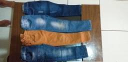 4 Calças jeans infantil R$ 70