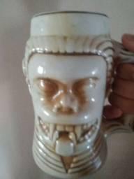 Vendo caneca de chopp de porcelana antiga