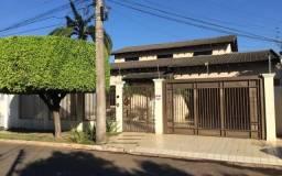 Casa discreta ampla com 2 frentes - alugue sem fiador