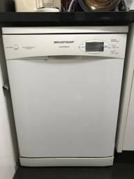 Lava-louças Brastemp bem conservada, mas com defeito
