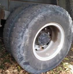 Vendo/troco pneu+roda 1000x20