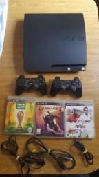 PS3 120gb 2 controles e 3 jogos