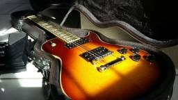 Guitarra com case