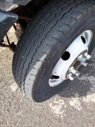 Van furgão cap 2500kgs , pneus novos, documentos ok, motor câmbio e diferencial ok - 2001