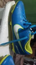 Chuteira Nike 37