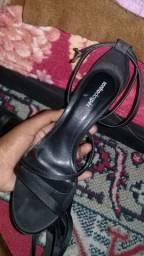 Vendo sandália usada uma vez número 37 sonho dos pés