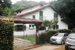 Casa com 6 dormitórios à venda, 148 m² por R$ 550.000 - Albuquerque - Teresópolis/RJ