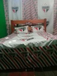 Colchas de cama e bandeiras