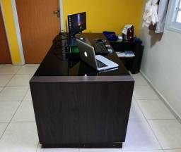 Mesa de escritório.