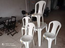 Conjunto plástico de Mesas
