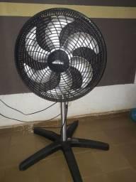 Vendo este ventilador de pé  5 ponteira zapp *