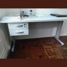 Escrivaninha 2 gavetas