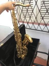 Saxofone tenor eagle