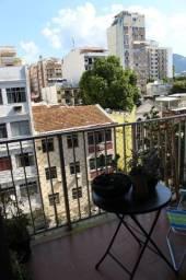 Rua Barão de Pirassinunga ( Metrô Saens Pena). Varanda, 3 quartos, vaga na escritura!