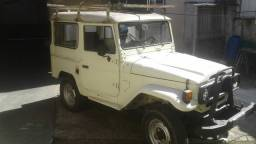 Toyota jeep curto 4x4