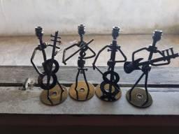 Músico De Porcas E Parafusos Em Metal Miniatura<br><br><br>