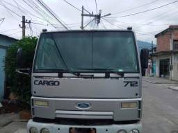Ford Cargo 712 ano 2009/2010