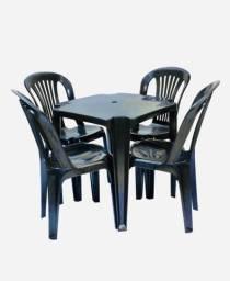 Jogo de 1 mesa e 4 cadeiras - Suporte 182Kg