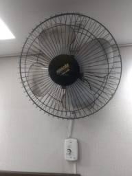 Ventilador de parede preto, 4 pás, marca Furação, 50cm