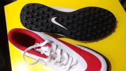 Chuteira society Nike tamanho 37