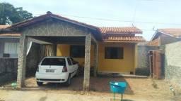 Título do anúncio: Vendo uma casa no condomínio Flor do Cerrado
