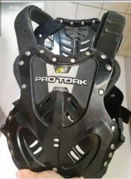 Colete de proteção  peitoral motociclista.