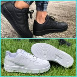 Tênis Nike Air Force Branco e Preto