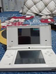 Nintendo DS está sem carregador