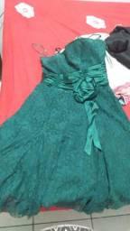 Vendo esses lindos vestidos 4 por 50 cada
