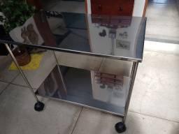 Mesa auxiliar de aço inox nova com rodinha, dimensões 90 cm X 50Cm X 81cm