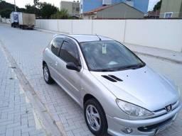 Título do anúncio: Vendo Peugeot quiksiver completo 2003 ou troco por outro carro.