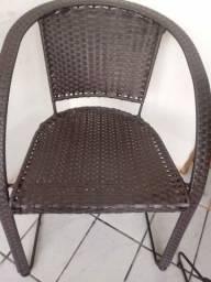Cadeira, máquina e terreno