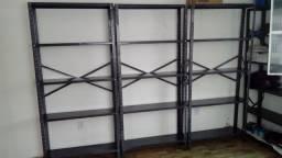 Vende-se estantes de ferro. Ideal para seu negócio!!!