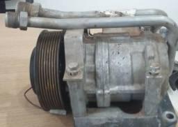 Compressor de ar condicionado Atego 2425 usado