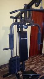 Estação musculação vários exercícios