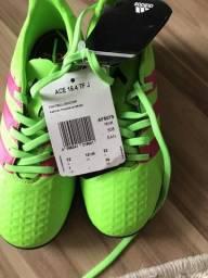 8d2fe82e53077 Chuteira Society Infantil Adidas - No. 30