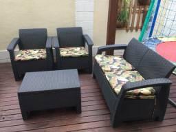 Conjunto sofás área externa Keter usado