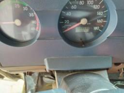 Vendo caminhão reboque . Tel *0
