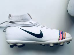 Chuteira Nike Infantil 31