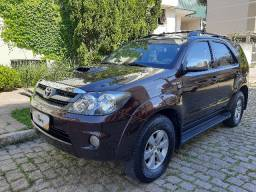 Toyota Hilux SW4 Diesel 4x4 Blindada