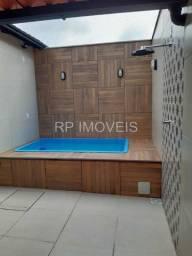 Casa toda planejada / Área externa com piscina e churrasqueira / Ótimo acabamento!