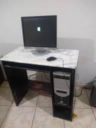 Computador completo com mesa