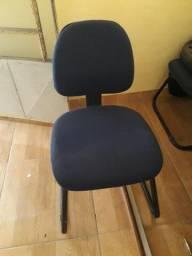 Vendo cadeiras alcochoadas