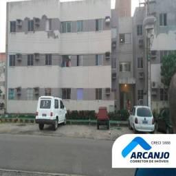 Ótimo Apartamento - 59m², 2/4, 1º Andar, Cond. Todo Arborizado (Aceita Financiamento)