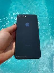 iPhone 8 Plus 64Gb - Preto - Semi novo