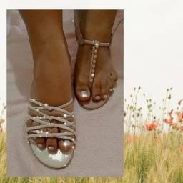 Lindas sandálias e saltos