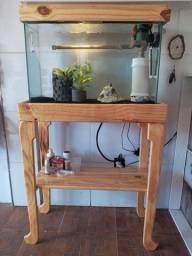 Vendo aquario 70x30x45 + bomba de 1500lh + mesa de madeira.