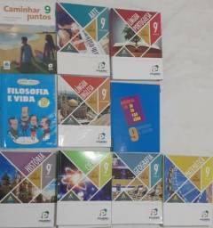 Livros Poliedro 9° ano + Filosofia, Espanhol, Ensino Religioso 9° Colégio Sagrada Familia